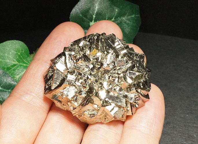 パイライト原石(中国産 レアです。)-1
