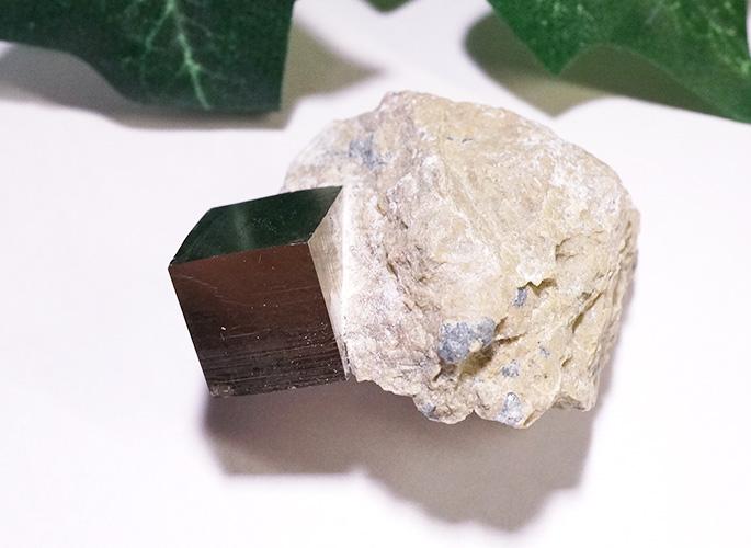 パイライト母岩付き(スペイン産)-2
