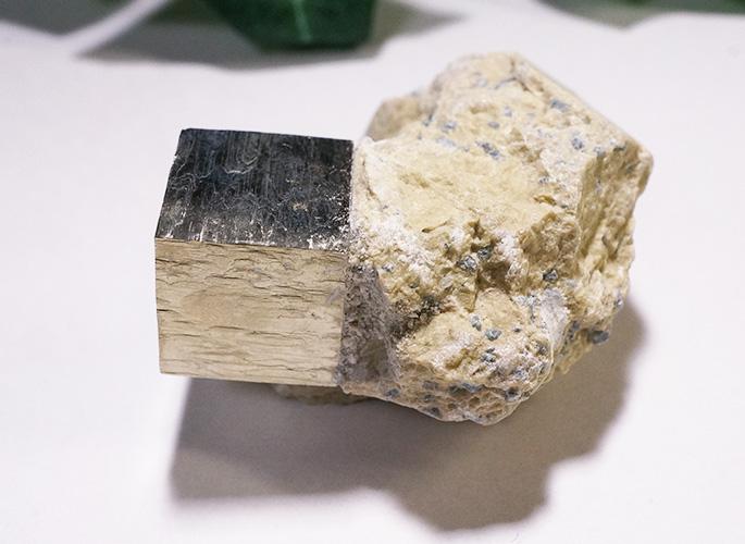 パイライト母岩付き(スペイン産)-0