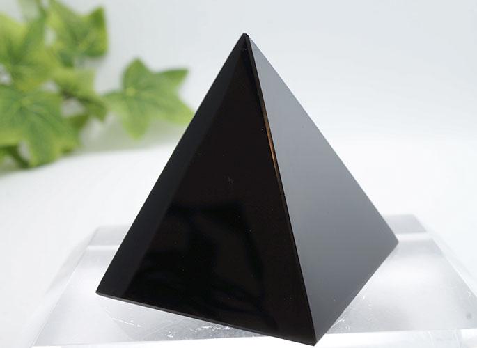 オブシディアン・ピラミッド
