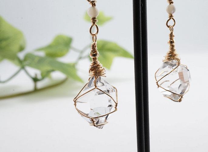ハーキマーダイヤモンド、マザーオブパール ピアス-1