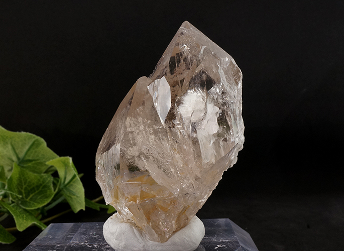 ガネッシュヒマール産水晶 (スモーキーカテドラル 虹入り) ティプリン産 193g